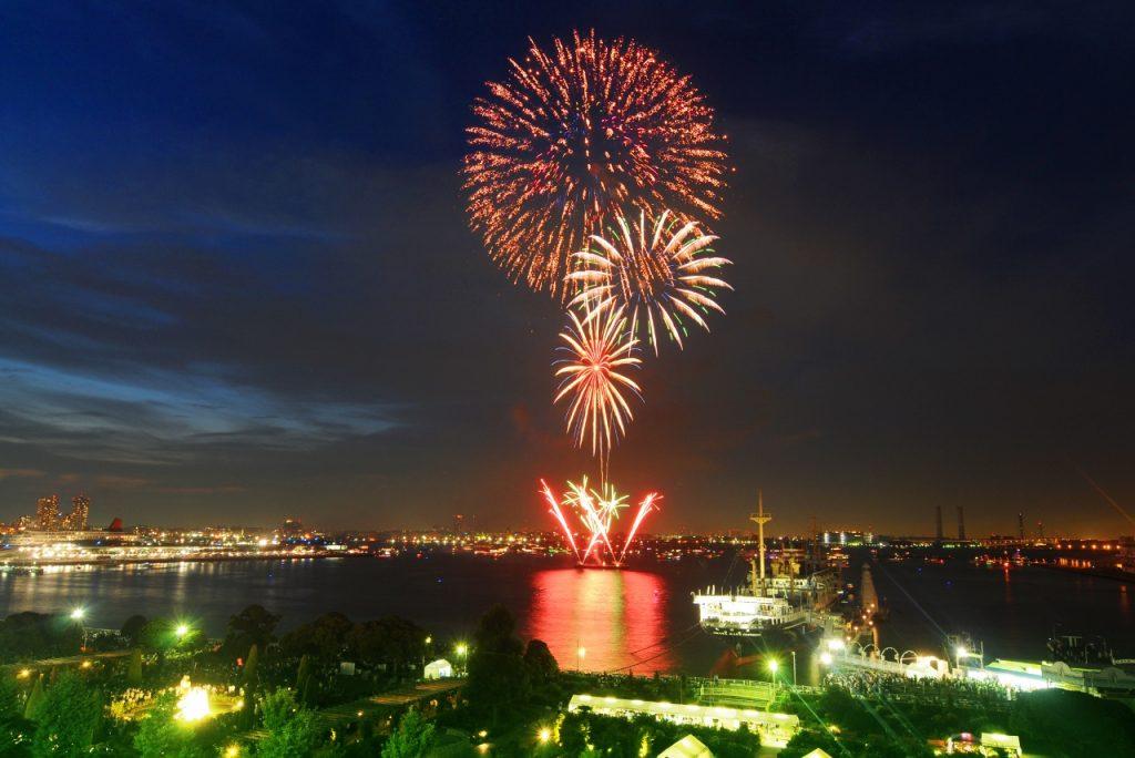 เทศกาลดอกไม้ไฟโยโกฮาม่า Sparkling Twilight